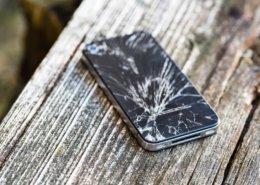 O que fazer quando quebrar a tela do celular - Akiratek