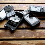 Como tirar arranhões da tela do celular - Akiratek